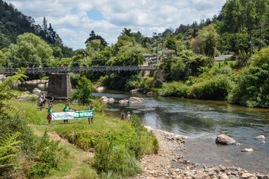 bridge-with-banner-1024x683